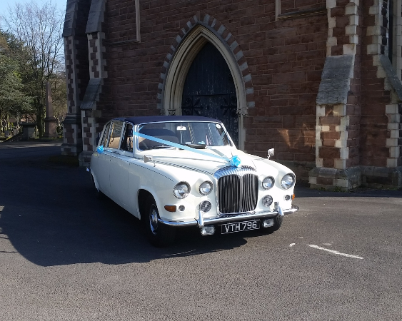 Daimler DS420 In Ivory/Blue